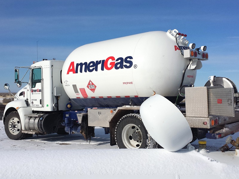 AmeriGas Bobtail in snow preparing to deliver